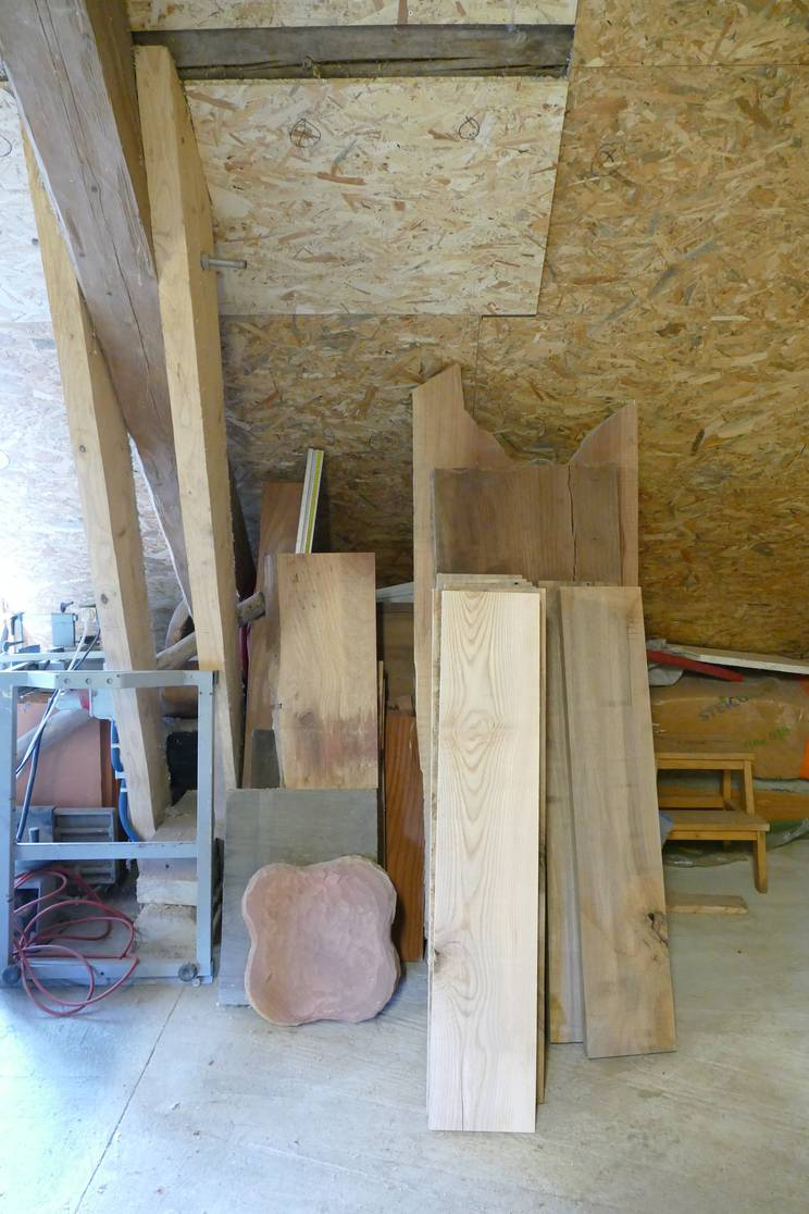 Morceaux de bois prêts à être transformés